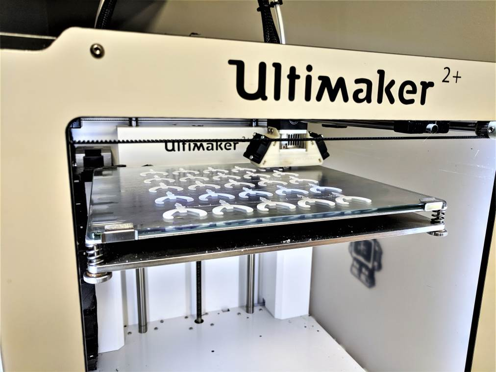 A 3D printer started on 25 parts.